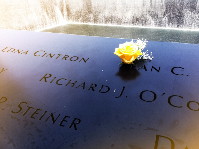 blue-buffalo-shoot-911-memorial-flower